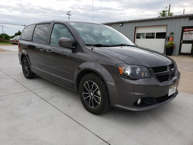 2016 Gray Dodge Grand Caravan R/T (2C4RDGEG8GR) with an 3.6L V6 DOHC 24V engine, 6A transmission, 0.000000, 0.000000 - Photo #0